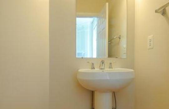 FX9660583 – Bath