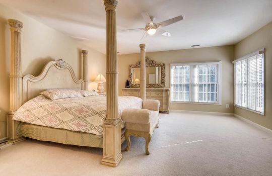 506-Pond-View-Ln-Cockeysville-large-016-8-2nd-Floor-Master-Bedroom-1500×1000-72dpi