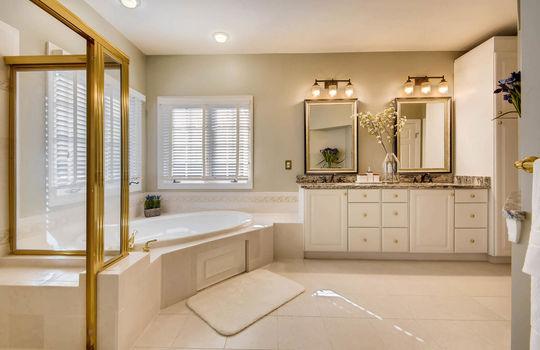 506-Pond-View-Ln-Cockeysville-large-019-32-2nd-Floor-Master-Bathroom-1500×1000-72dpi