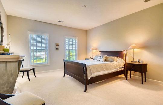 506-Pond-View-Ln-Cockeysville-large-020-29-2nd-Floor-Bedroom-1500×1000-72dpi