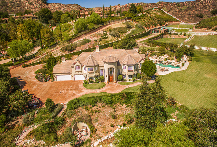 Pam Fecher and Amy Balsz Sell Sprawling Coto De Caza Estate Listed at Just Under $3.7 Million
