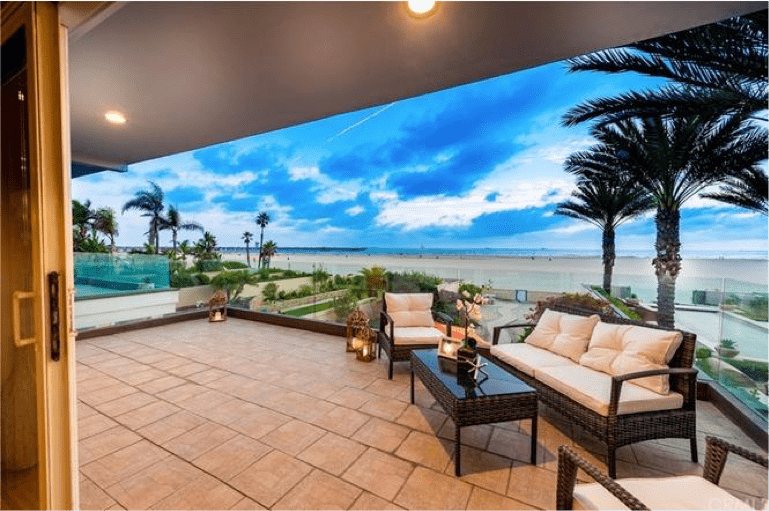 First Team Veteran Tom DeCuir Leads  Another Lucky Buyer to a Beach Paradise