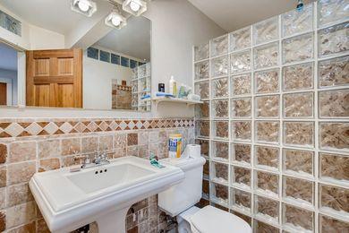 1544 9th Street Boulder CO-large-023-019-Guest House Bathroom-1500×1000-72dpi
