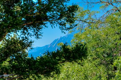 20-1430_Exterior_Flatirons_from_Back_Deck_5TMDE_RVT2-NR_E_HiRes1MB_Web