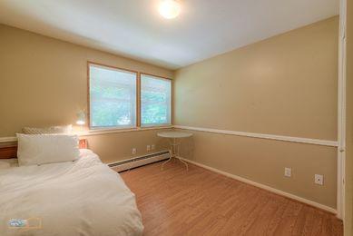37-1430_LL_Bedroom2_5TMDE_RVT2-NR_E_HiRes1MB_Web