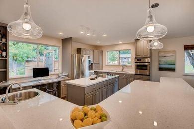 3800 Carlock Dr Boulder CO-large-010-26-Kitchen-1500×1000-72dpi