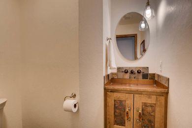 3800 Carlock Dr Boulder CO-large-012-9-Powder Room-1500×1000-72dpi