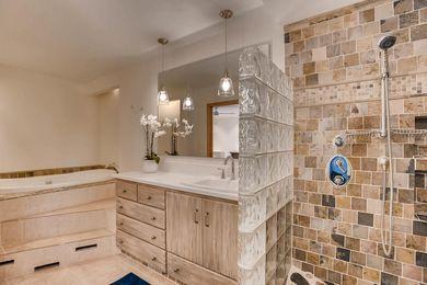 3800 Carlock Dr Boulder CO-large-015-18-Master Bathroom-1500×1000-72dpi