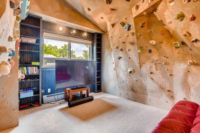 3800 Carlock Dr Boulder CO-large-019-22-Bedroom-1500×1000-72dpi