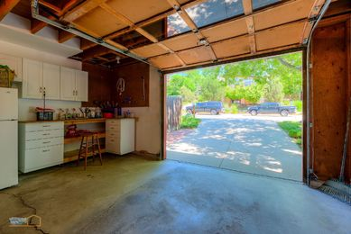 40-1430_Exterior_Garage_with_Workbench_5TMDE_RVT2-NR_E_HiRes1MB_Web