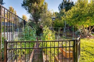 730 Grape Ave Boulder CO 80304-print-006-5-Back Yard-2700×1800-300dpi