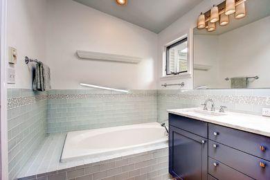 920 Grant Pl Boulder CO 80302-print-018-16-2nd Floor Master Bathroom-2700×1801-300dpi