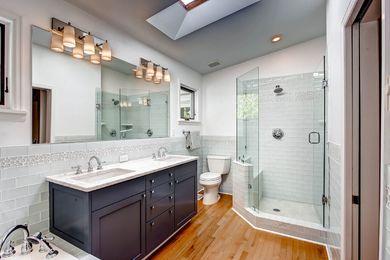 920 Grant Pl Boulder CO 80302-print-019-19-2nd Floor Master Bathroom-2700×1799-300dpi