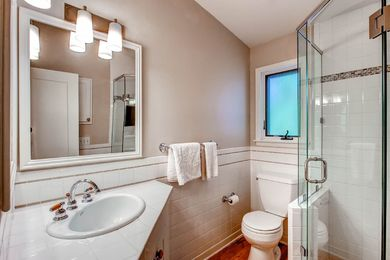 920 Grant Pl Boulder CO 80302-print-022-23-2nd Floor Bathroom-2700×1800-300dpi