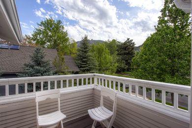 920 Grant Pl Boulder CO 80302-print-026-24-Balcony-2700×1800-300dpi