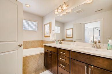 Grandview_25 2nd Floor Primary Bathroom