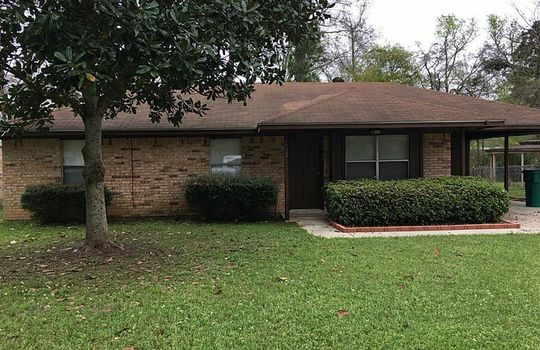 205 N Forest Drive, Willis, TX 77378