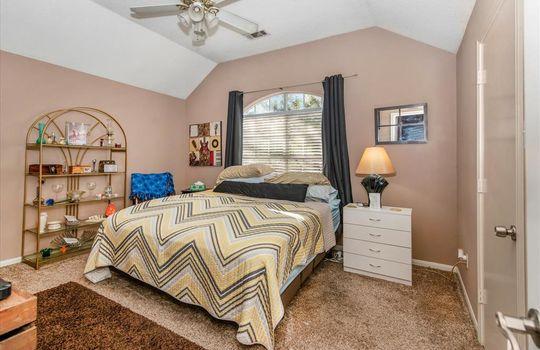 6002 Hunnington Drive, Conroe, TX 77303-10