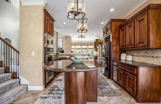 7947 Wooded Way Drive, Spring, TX 77389-9