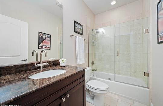 11_2146NRacineAve_Unit2_8_Bathroom_HiRes