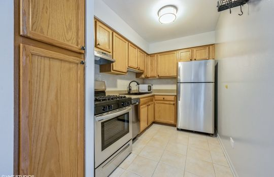 06_515WWrightwood_517_5_Kitchen_HiRes