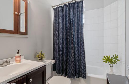 09_725WAldineAve_Unit2_8_Bathroom_HiRes