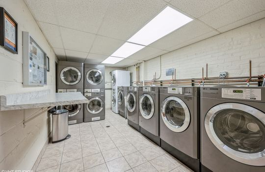 10_515WWrightwood_517_44_LaundryRoom_HiRes