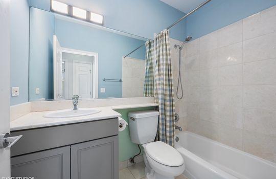14_3134NOrchard_2_8_Bathroom_HiRes