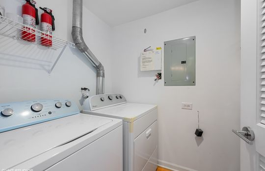 15_3134NOrchard_2_44_LaundryRoom_HiRes