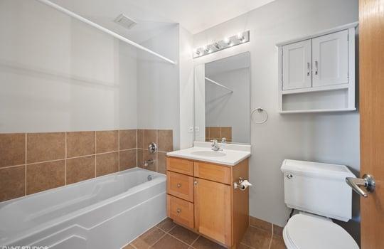 08_41E8th_1605_8_Bathroom_HiRes