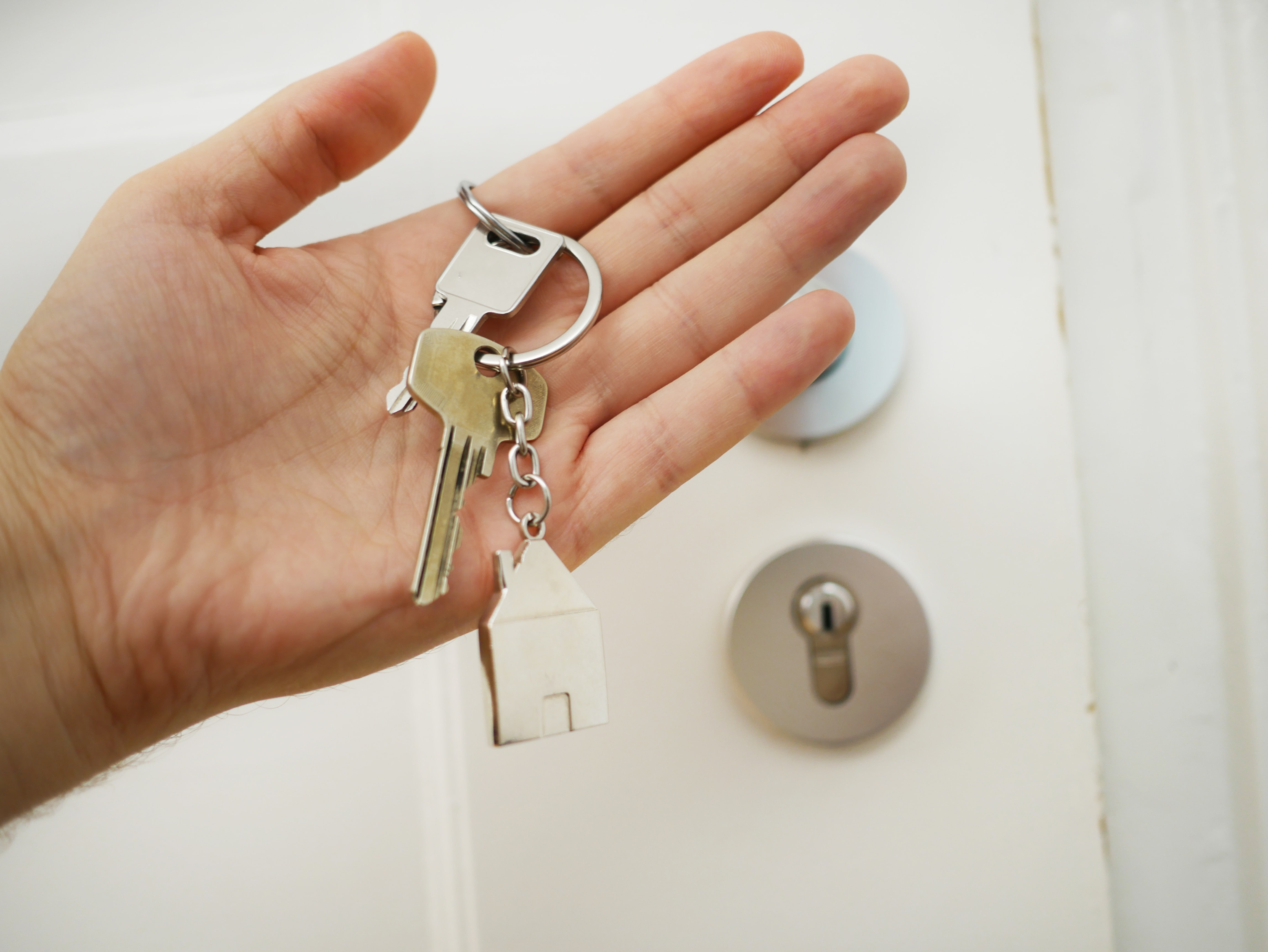 How to minimize closing costs when selling