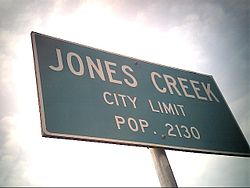 Texas State city limit sign of Jones Creek