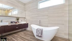 Spring 2015 Home Trend: Stunning Spa – Inspired Baths
