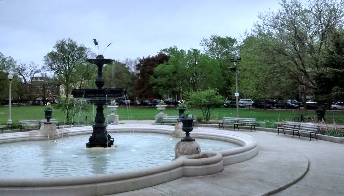 Photo Credit: Mr. Granger via Wikimedia Commons,https://commons.wikimedia.org/wiki/File:Wicker_Park_fountain_2.jpg