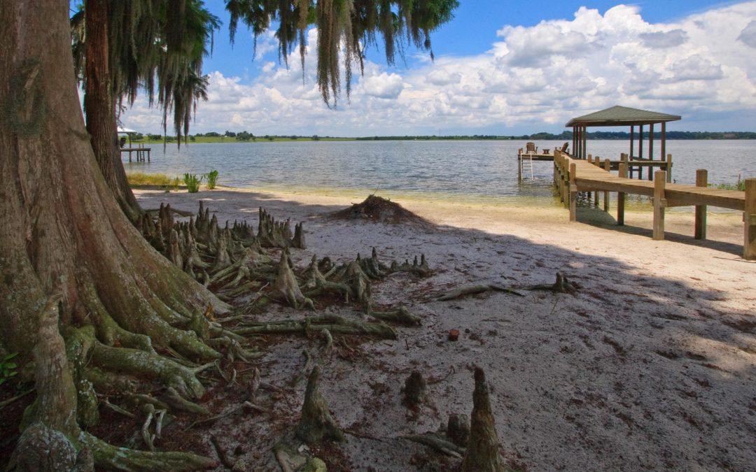 Lakefront Homes in Auburndale Florida