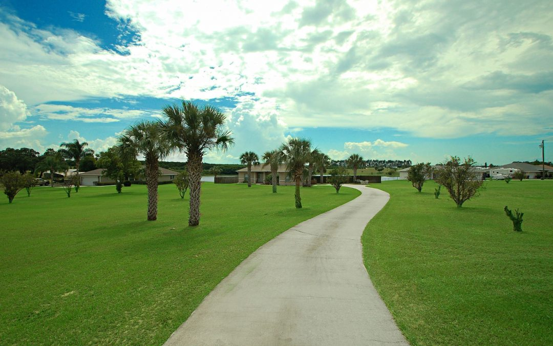 2734 S Scenic Hwy – Central Florida Lakefront Home on Acreage – $199,900