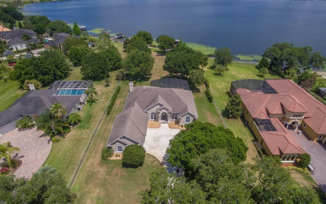 New Listing – Winter Haven Lakefront Home