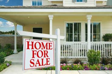 Top Tips for Selling or Buying a Home This Spring