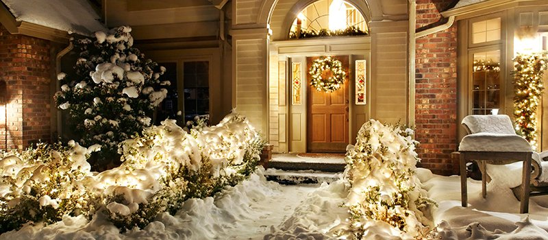 Safety Tips to take When Putting up Christmas Lights